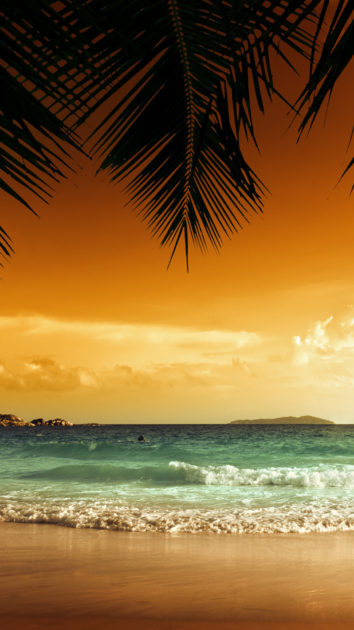 Download HD Beach iPhone Wallpapers.